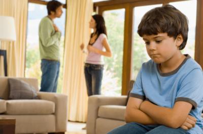Особенности выписки несовершеннолетнего ребенка из квартиры