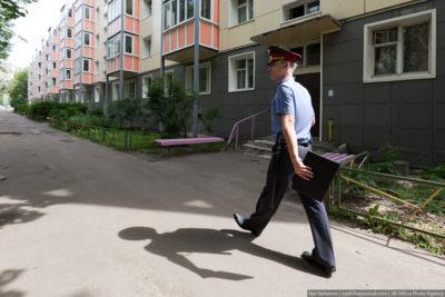 Как выписать собственника из квартиры: Можно ли принудительно выселить владельца за систематические нарушения прав соседей