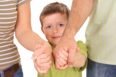 Отказ от отцовства освобождает от алиментов