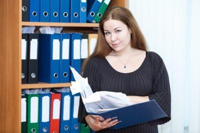 Изображение - Каким образом заполняется приказ о трудоустройстве на работу hranenie_prikaza_1_04035015-400x267