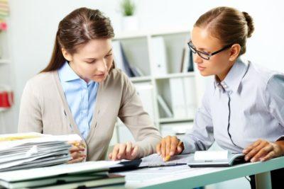 Изображение - Список актуальных ипотечных программ в зенит банке и их особенности kreditnyy_specialist_1_07111254-400x267