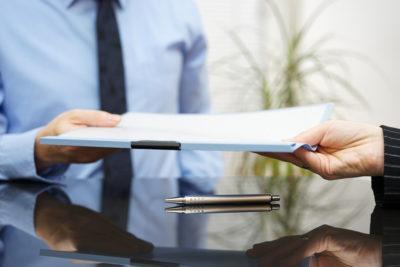 Как предложить работнику увольнение по соглашению сторон