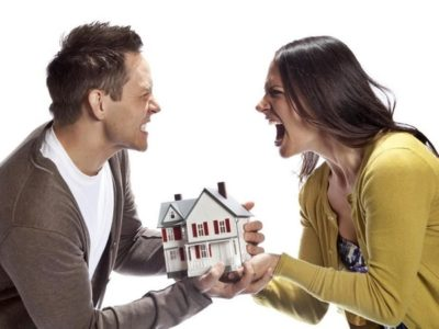 Изображение - Как делить квартиру, приобретенную в ипотеку до брака razdel_kvartiry_pri_razvode_1_12174645-400x300